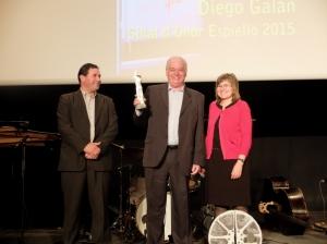 Diego Galán, con Enrique Campo y Elisa Sanjuán