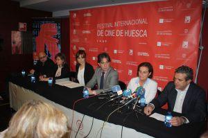 De izquierda a derecha - Victor M Muñoz - Elisa Sanjuan - Azucena Garanto - Humberto Vadillo - Teruca Moreno - Manolo Perez