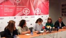 Yolanda de Miguel, Olga Alastruey, Azucena Garanto, Berta Fernández y Manolo Pérez durante la rueda de prensa